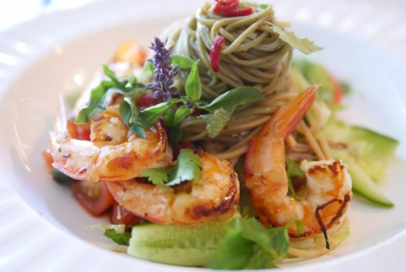 King Prawns with soba noodles and easy Asian dressing
